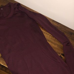 Swiftly Tech Long Sleeve Crew -burgundy
